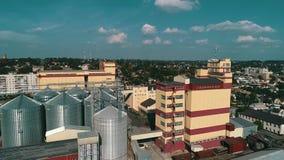 农业粮食干燥机复合体 有计量局的现代粮仓 股票录像