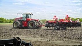 农业设备 耕种工作的农业机械 股票视频