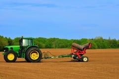 农厂新的拖拉机 库存图片