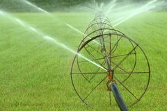 农厂灌溉 图库摄影