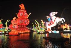 2014年农历新年寺庙市场和灯会 库存照片