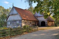 农场在露天博物馆在奥尔什蒂内克(波兰) 库存图片