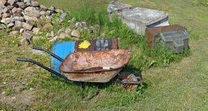 农夫农村垃圾堆 图库摄影