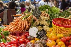 农夫在法国的南部的` s市场 免版税库存图片