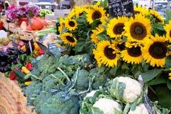 农夫市场摊位普罗旺斯法国菜sunflow 免版税库存图片
