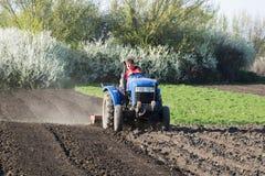 农夫庭院为种植做准备 免版税图库摄影