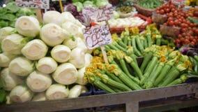 农夫的食物市场摊位以有机蔬菜品种  影视素材