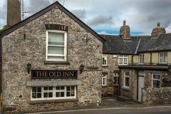 农村客栈老旅馆,在停泊的Widecombe,牛顿方丈,德文郡,英国 免版税图库摄影