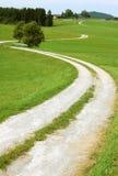 农村弯曲的路 免版税库存图片