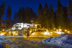 农村房子在冬天 库存照片