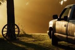 农村有雾的早晨 库存图片