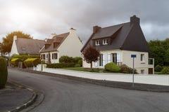 农村楼层房子exteriour,户外夏天布雷斯特,法国, 2018年5月31日 免版税图库摄影