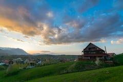 农村横向的山 图库摄影