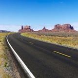 农村沙漠的高速公路 免版税图库摄影