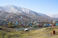 农村现场Onguday,共和国阿尔泰山看法  库存图片