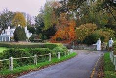 农村秋天英国的运输路线 库存图片