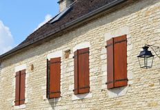 农村窗口在法国 免版税库存照片