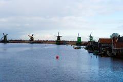 农村荷兰风景在Zaanse Schans村庄 免版税库存照片