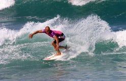 冠军凯利铺瓦工冲浪者冲浪的世界 免版税库存照片