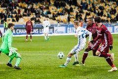冠军同盟足球比赛发电机Kyiv -贝希克塔什, 12月 库存照片