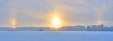 冬天光晕日出 库存图片