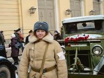 冬天制服的女孩 免版税库存图片