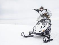 冬天北极山战争 免版税库存照片