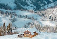 冬天喀尔巴阡山脉风景,乌克兰 免版税库存照片