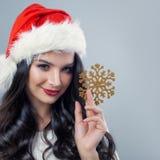 冬天圣诞节模型妇女时尚画象  免版税库存照片