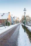 冬天在一个有历史的荷兰语村庄 免版税库存照片