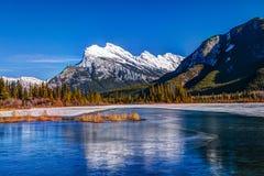 冬天在班夫国家公园 免版税库存图片
