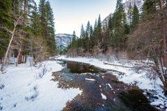 冬天场面在优胜美地 免版税库存照片