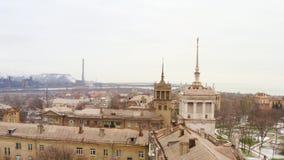 冬天城市的屋顶的鸟瞰图 影视素材