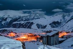 冬天多雪的山 alania高加索联邦山北ossetia俄语 库存图片