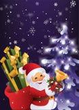 冬天夜在有礼物袋子和响铃的圣诞节森林圣诞老人里在手中 免版税库存图片