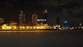 冬天夜都市风景 yekaterinburg 12月 免版税库存照片