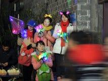冬天季节街边小贩中国人妇女 免版税库存图片