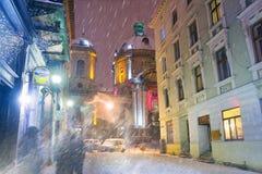 冬天寺庙的利沃夫州 免版税库存图片