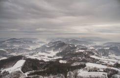 冬天小山 库存照片