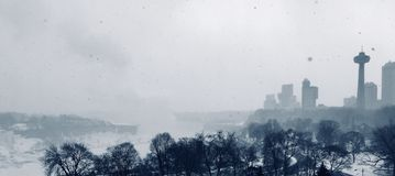 冬天尼亚加拉市的结冰的看法 库存图片
