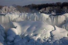 冬天尼亚加拉瀑布 免版税库存图片