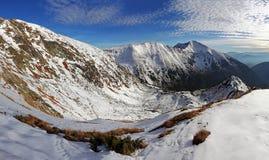 冬天山全景风景-日落,斯洛伐克 免版税库存照片