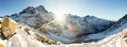 冬天山全景风景 库存图片