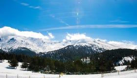冬天山全景 免版税图库摄影