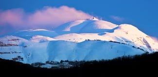 冬天山多雪的横向 免版税库存图片