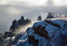 冬天山的旅馆 免版税图库摄影