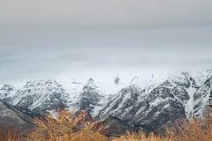冬天山 库存图片