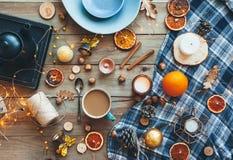 冬天或秋天家庭装饰平的位置  库存照片