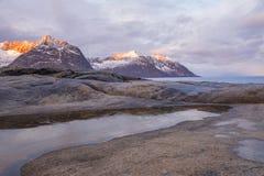 冬天挪威 在海角Tungeneset的黎明 库存图片