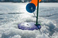 冬天捕鱼设备 免版税库存图片